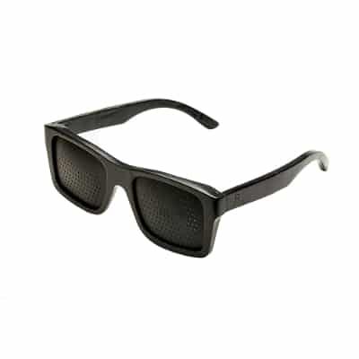 bril met gaatjes
